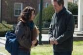 Professore per amore, la recensione del film con Hugh Grant