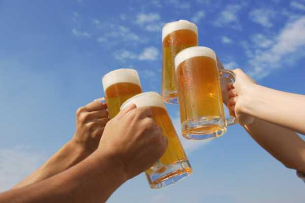 benefici alcol felicità