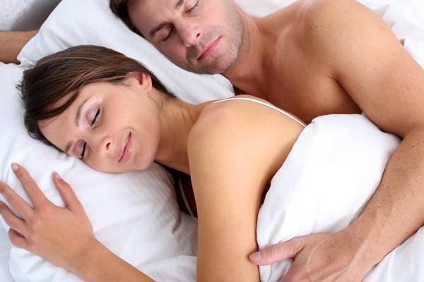 Le donne devono dormire di più o diventano nervose