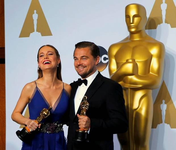 Brie Larson & Leonardo DiCaprio Oscar