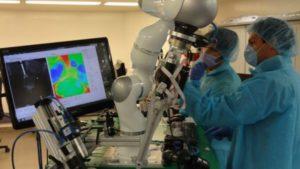 robot chirurgo