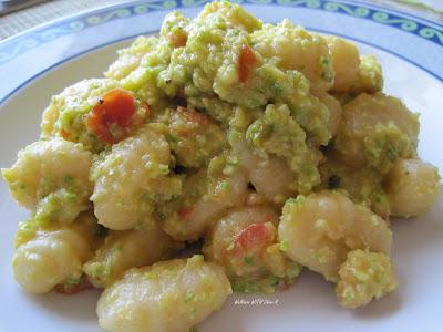 Gnocchi di patate con quinoa in salsa raw