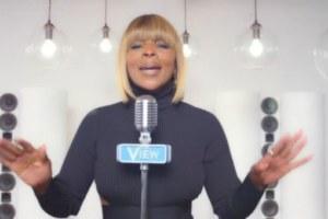 Mary J Blige canta World's Gone Crazy, la canzone per la 20° stagione di The View.