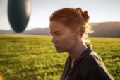 "La recensione di Arrival, il film ""enigmatico"" interpretato da Amy Adams."