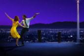 La recensione di La La Land, il musical di Damien Chazelle interpretato da Ryan Gosling ed Emma Stone.