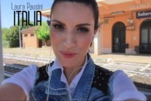 Laura Pausini nella sua città natale nel video di Per La Musica.