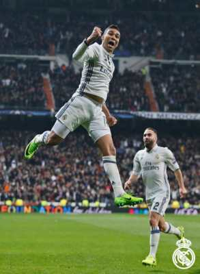 Casemiro esulta dopo il goal - Real Madrid Napoli 3 1 febbraio 2017