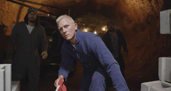 Daniel Craig diventa biondo nel film Logan Lucky. Guarda la prima foto della pellicola.