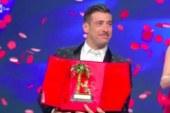 Francesco Gabbani ha vinto il festival di Sanremo 2017. Ecco la sua esibizione in finale.