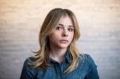 Chloe Grace Moretz infastidita da un ladro, costretta a chiamare la polizia.