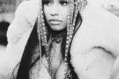 Nicki Minaj firma per la Wilhelmina Models.