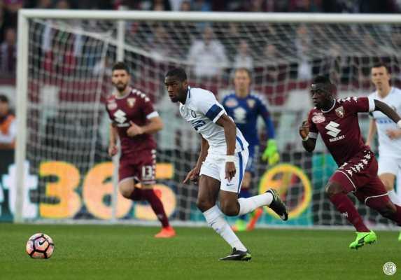 Girandola delle emozioni in Torino-Inter. Tra i granata e i nerazzurri termina 2-2.
