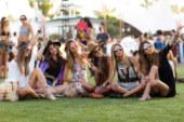 Dress code Coachella: dalla California le ispirazioni glamour di primavera.