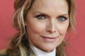 """Michelle Pfeiffer sul set di Batman Returns: """"Ho veramente tenuto un uccello vivo in bocca"""""""