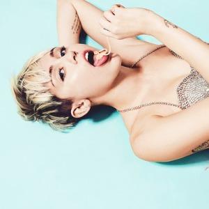 Miley Cyrus smentisce di aver fatto un sex tape