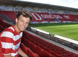 Louis Tomlinson degli One Direction compra una squadra di Calcio