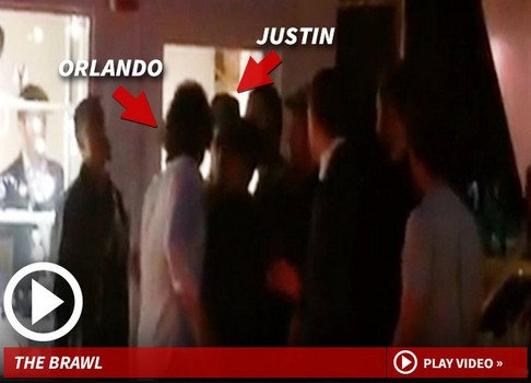 Orlando Bloom picchia Justin Bieber. Il Video