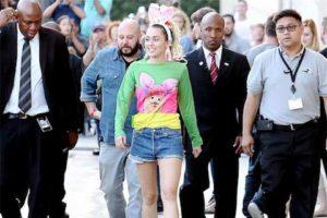Miley Cyrus MTV VMA 2015