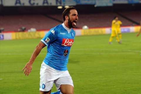 Napoli Genoa 3-1 Higuain
