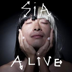 Sia canta Alive ad X Factor