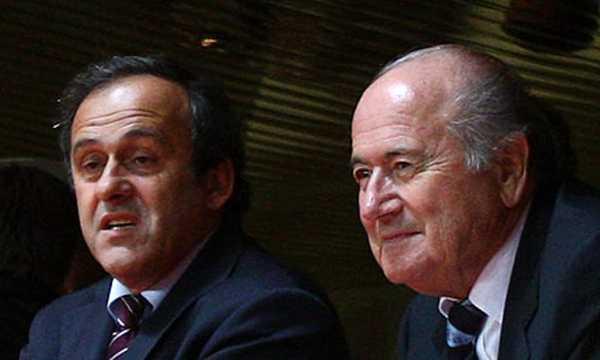 Platini e Blatter in una foto che li vede insieme
