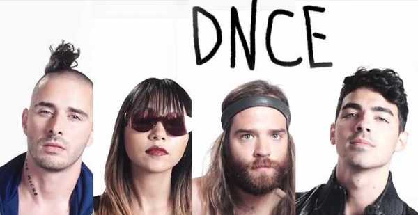 DNCE con Forever