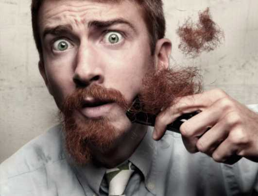 Gli uomini con la barba tradiscono di più, quindi meglio tagliarla
