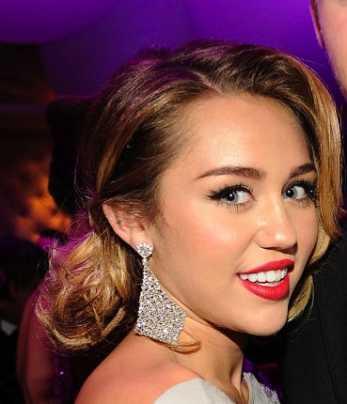 Miley Cyrus in lacrime dopo la vittoria di Trump