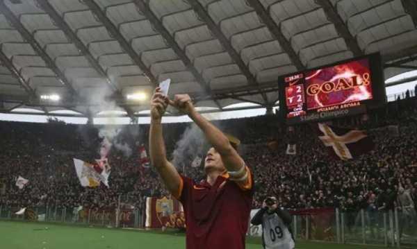 Totti fine della carriera Roma