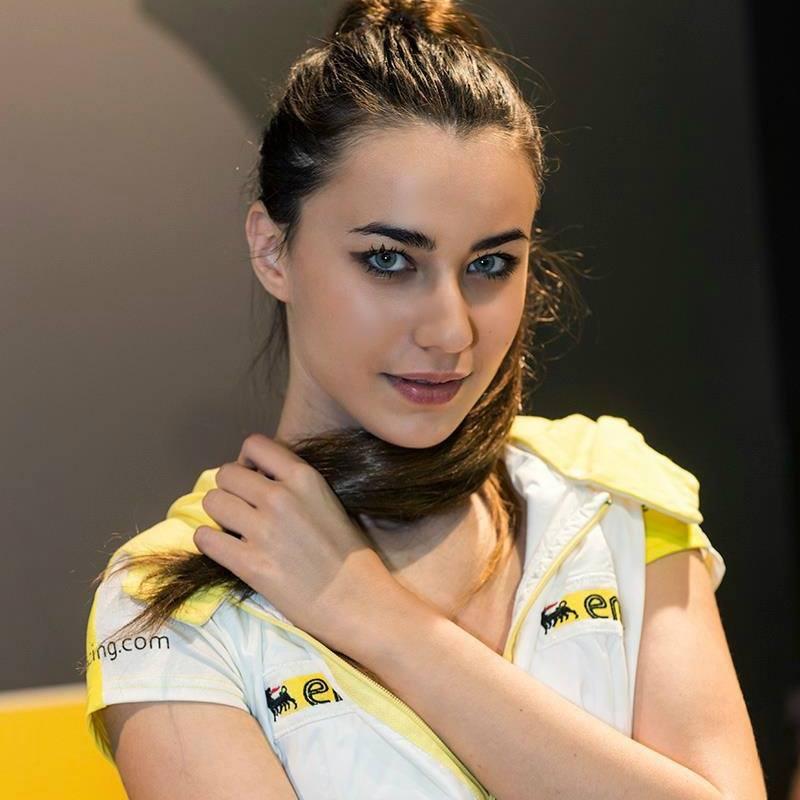 Mara Vezzani modella