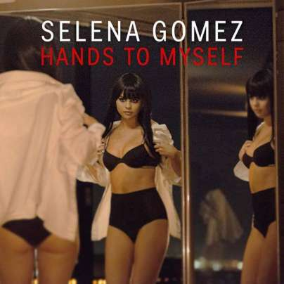 Selena Gomez fa il bagno nuda nel video di Hands to Myself