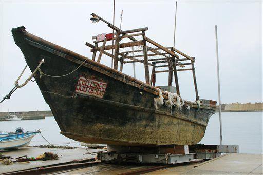 barca giapponese misteriosa trasporta cadaveri