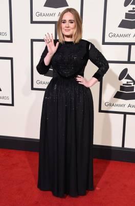 Adele presso i Red Carpet ai Grammy Awards 2016