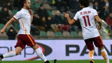 Salah e Pjanic con la maglia della Roma