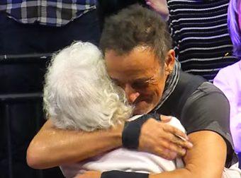 Bruce Springsteen donna 91 anni concerto