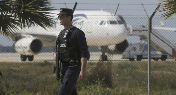EgyptAir motivo dirottamento