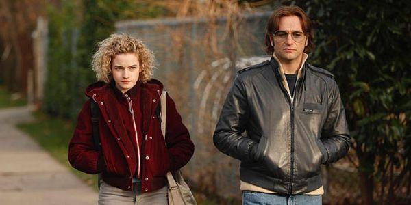 The Americans 3 stagione: Julia Garner e Matthe Rhys