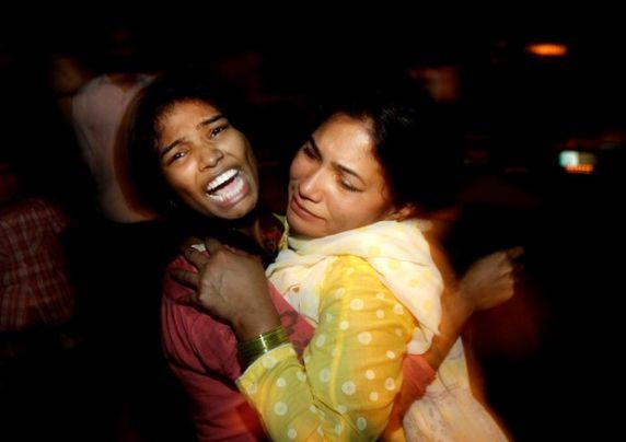 Un kamikaze fa 63 morti in Pakistan