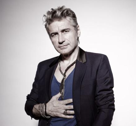 Ligabue compie 56 anni. 11 canzoni per raccontarlo.