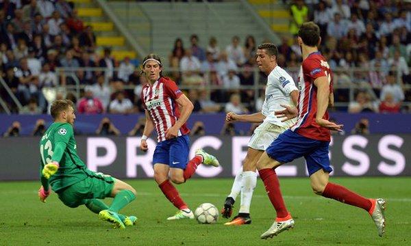 Cristiano Ronaldo sbaglia il goal finale Milano 2016