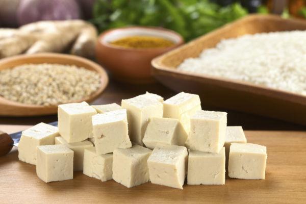 cibi che rallentano l'invecchiamento: Il Tofu