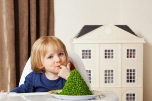 mangiare con le mani fa bene a grandi e piccini