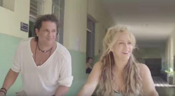Shakira & Carlos Vives - La Bicicleta Video
