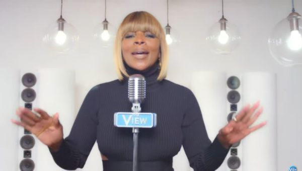 Mary J Blige canta World's Gone Crazy - video