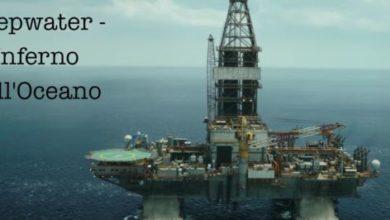 Recensione Deepwater - Inferno sull'oceano - poster film