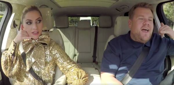 Lady Gaga canta Bad Romance e Poker Face al Carpool Karaoke