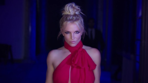 Britney Spears nel video di Slumber Party