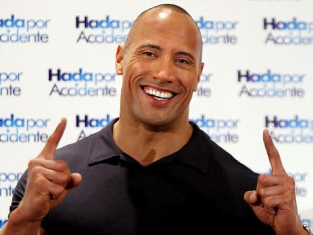 """Dwayne Johnson """"The Rock"""", l'uomo più sexy del 2016."""