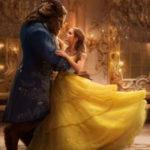La Bella e La Bestia recensione - Emma Watson e Dan Stevens in La Bella e La Bestia, film del 2017.