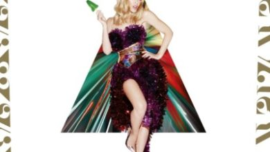 Kylie Minogue nella cover di At Christmas